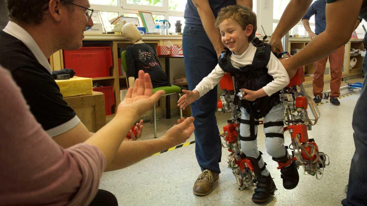 El CSIC desarrolla el primer exoesqueleto para niños con atrofia muscular espinal