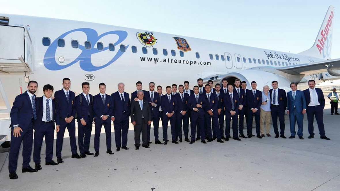 España ha desembarcado en Francia, donde se concentrará en la isla de Re para disputar la Eurocopa.