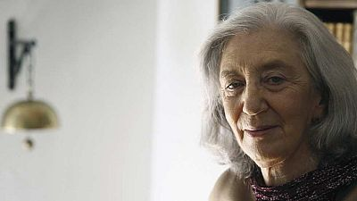 La poeta y traductora Clara Janés es la nueva dueña de la 'U' en la RAE