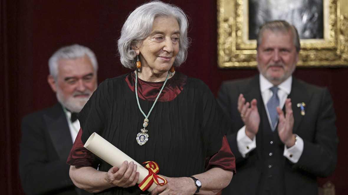 La fotógrafa Clara Janés ingresa en la Real Academia Española