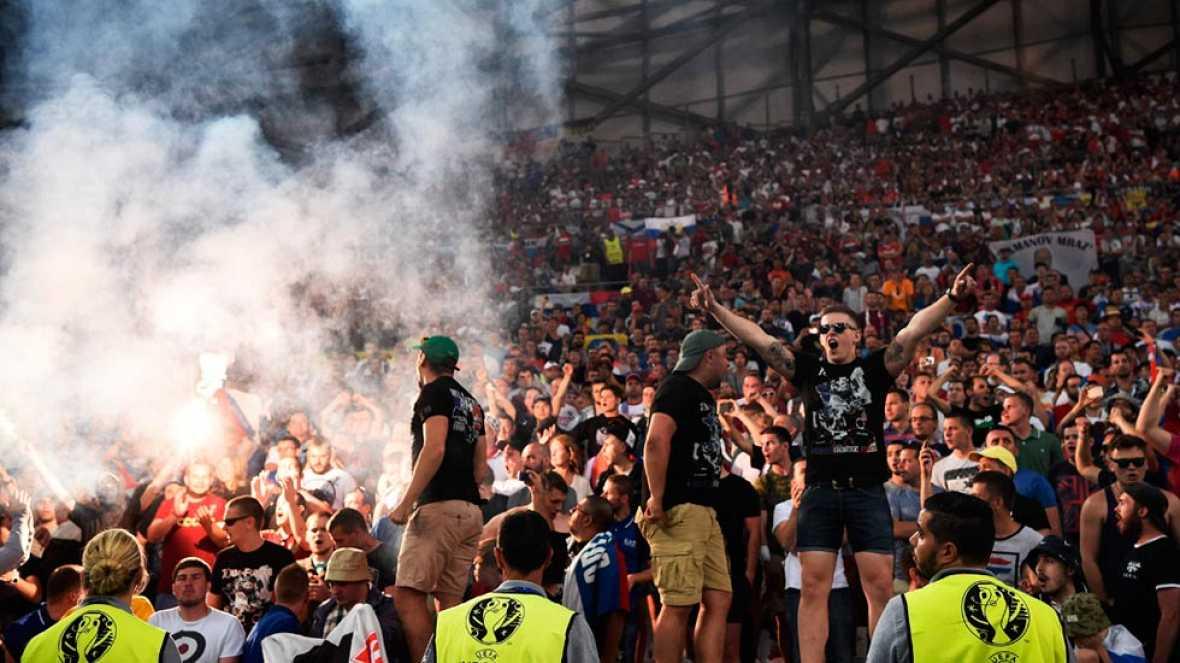 Rusia será eliminada de la Eurocopa si se repiten los altercados en un estadio
