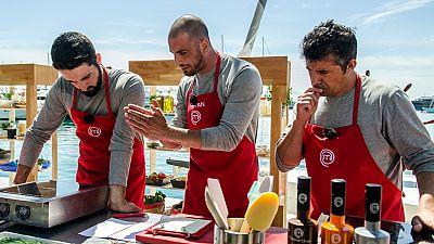MasterChef 4 - Caos en las cocinas del equipo rojo, liderado por �ngel