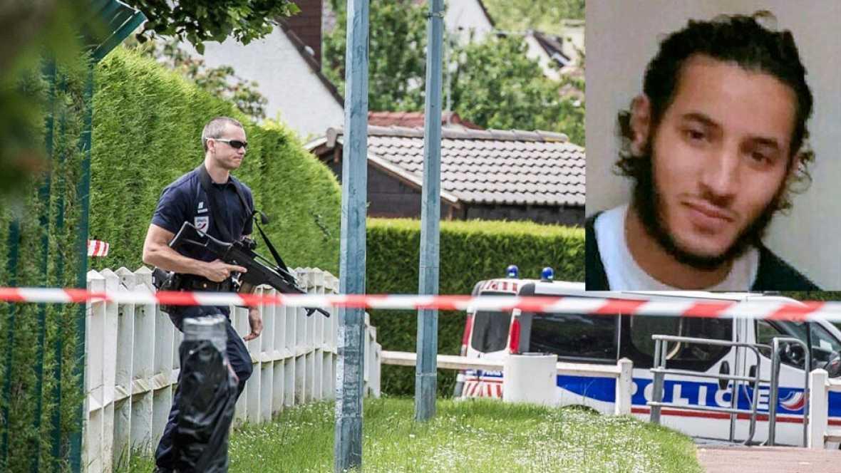 Dos agentes de policía mueren en un nuevo ataque yihadista en Francia