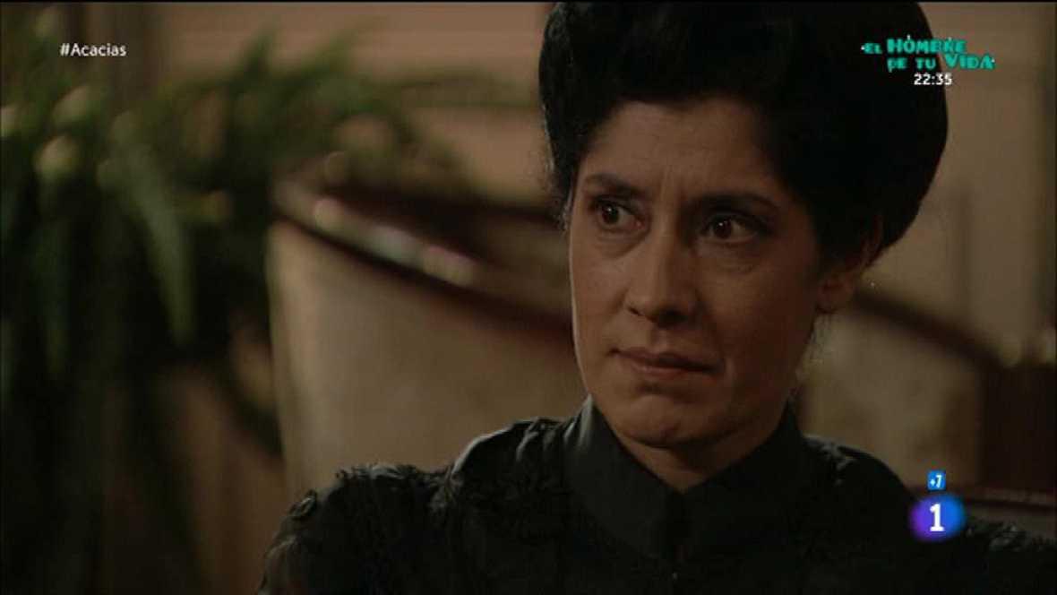 Acacias 38 - Rosina le pide a Cayetana que le ayude a echar a Casilda de Acacias