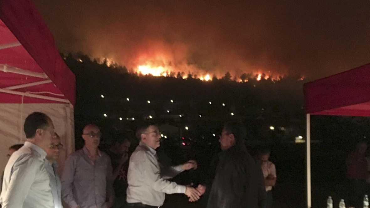 Valencia sufre a la vez tres incendios forestales