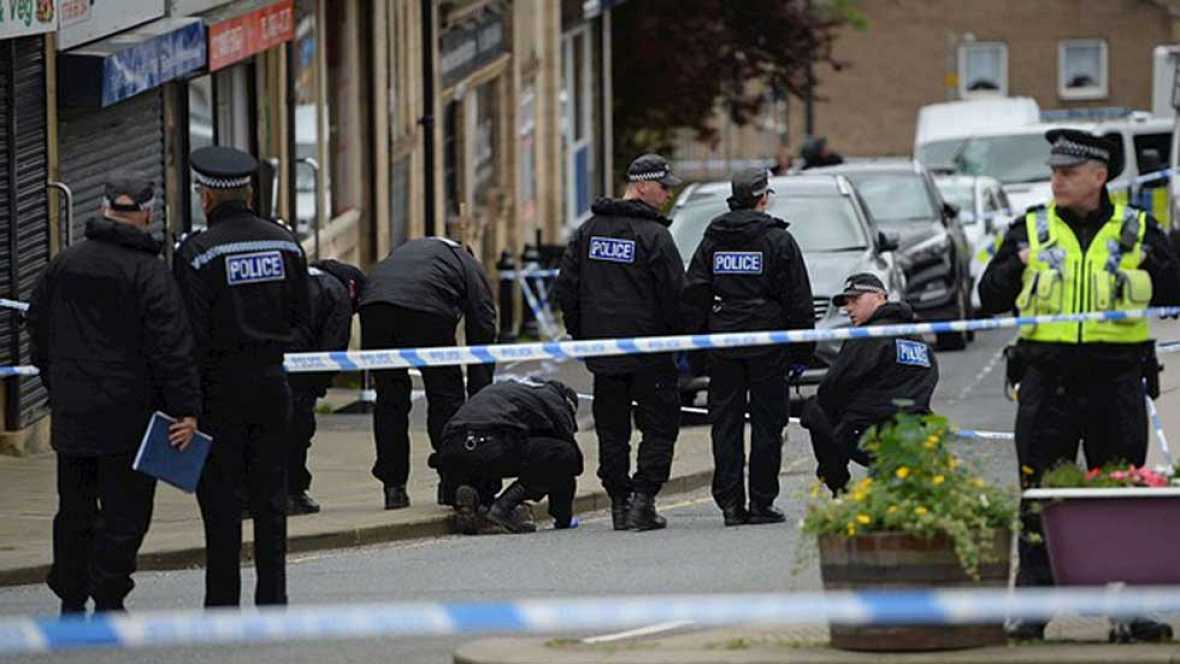 La policía británica no confirma ninguna motivación política en el asesinato de Jo Cox