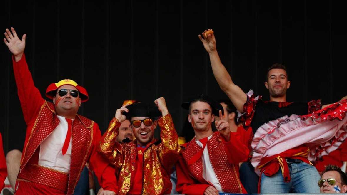 Los aficionados españoles desplazados a Niza vibraron con el juego del equipo de Del Bosque, que ha disparado las expectativas de su hinchada.