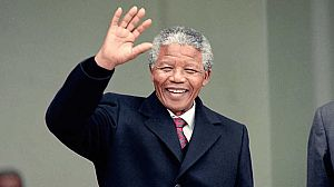 Nelson Mandela redibujado: Solo un hombre