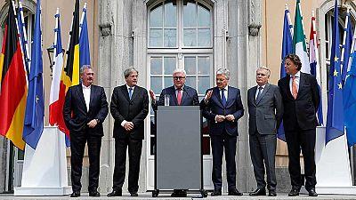 Los países fundadores de la UE urgen a Londres a que ponga en marcha su salida