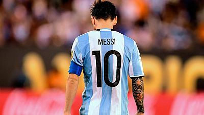 """Leo Messi ha anunciado su adiós a la selección argentina tras su derrota en la final de la Copa América Centenario contra Chile, la cuarta final en la que cae la 'pulga' con la camiseta de su país: """"lo intenté pero esto no es para mí""""."""