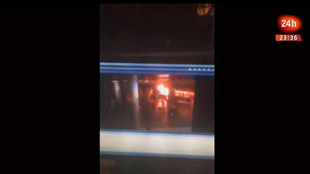 Explosión de una de las bombas en el aeropuerto internacional de Estambul