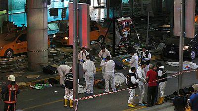 Turqu�a apunta al Estado Isl�mico como responsable de la masacre en Estambul