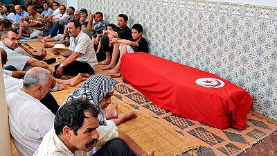 Estambul despide a los fallecidos en el atentado y trata de recuperar la normalidad