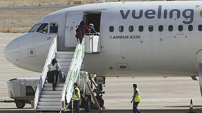 Continúa el caos en el Prat por las cancelaciones y retrasos acumulados de Vueling