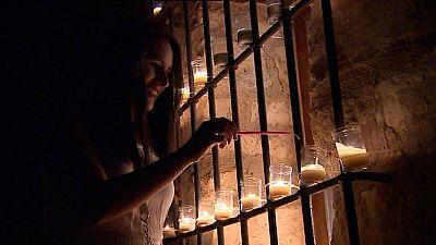 La magia y el misterio de las velas iluminan Pedraza