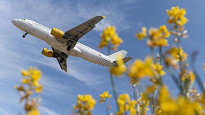 Vueling cancela 64 vuelos por la huelga en Francia de los 700 programados