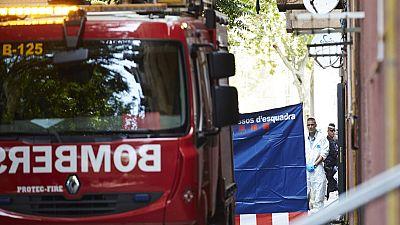 Dos niños de cuatro y seis años han fallecido en el incendio de una vivienda en Barcelona
