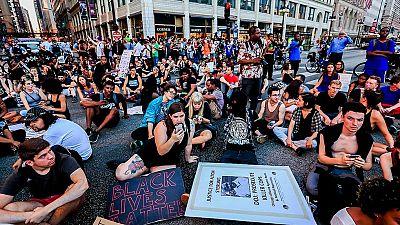 Las protestas en EE.UU. por la violencia policial contra los negros no cesan