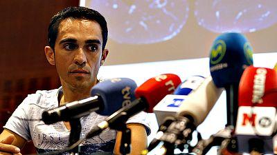 Alberto Contador, retirado del Tour de Francia por varias caídas, descartó hoy su participación en los Juegos Olímpicos de Río de Janeiro del próximo mes de agosto, después de someterse a pruebas médicas en las que se revelaron dos roturas fibrilares