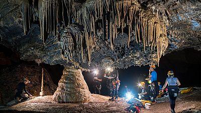 La Agencia Espacial Europea entrena a seis astronautas en una cueva