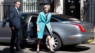 Theresa May empieza a conformar el nuevo Gobierno de Reino Unido