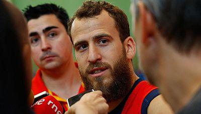 """El base de la selección española de baloncesto se ha reincorporado a la concentración de España para los Juegos y ha asegurado que su decisión de regresar a la NBA es """"ambiciosa""""."""