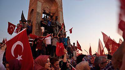 Las manifestaciones continúan en Turquía a petición de Erdogan