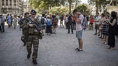 El descontento popular por la política antiterrorista inunda Francia