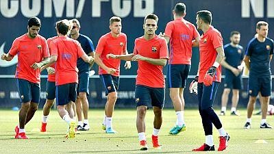 El entrenador del FC Barcelona, Luis Enrique Martínez, ya tiene un grupo mínimo para trabajar en la primera sesión de entrenamiento de la pretemporada, después de someterse casi una decena de barcelonistas a las revisiones médicas y físicas.