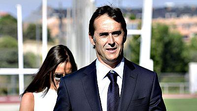 El flamante seleccionador, Julen Lopetegui, ha sido presentado por el presidente de la RFEF, Ángel María Villar, y ha comparecido por primera vez ante los medios de comunicación.