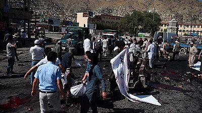 Decenas de muertos en un atentado al paso de una manifestación en Kabul