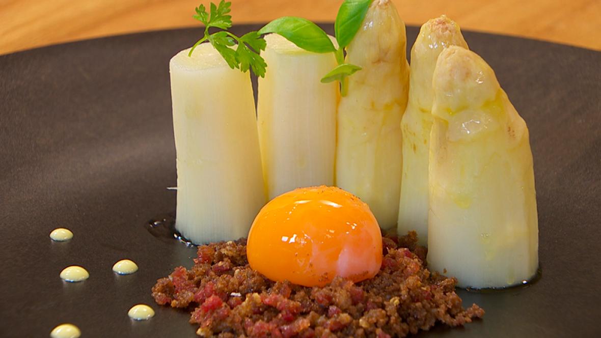Receta de yema de huevo curada for Cocinar yemas de huevo