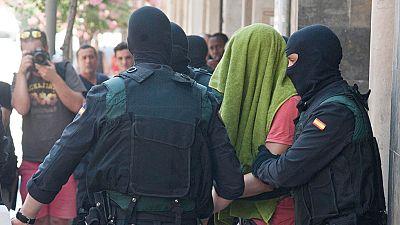 Detenidos en Girona dos hermanos acusados de colaborar con la financiación de DAESH