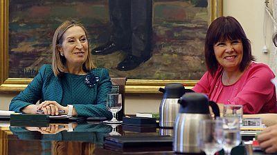 Ana Pastor anuncia que la Mesa del Congreso ha retrasado la decisión contre Convergència