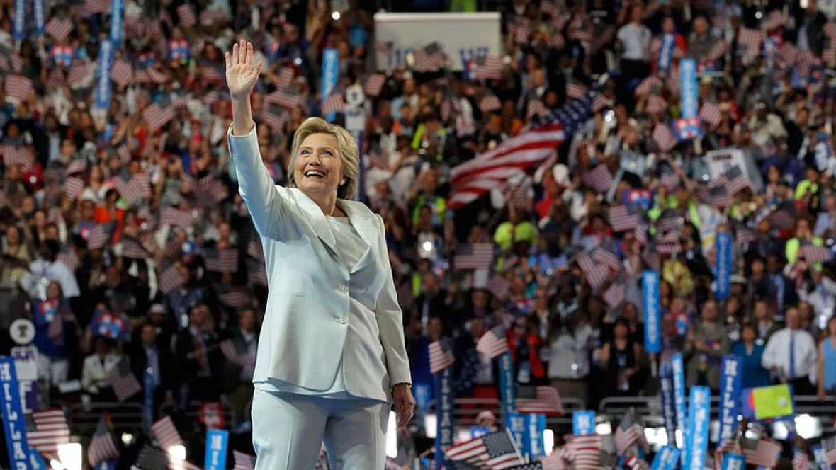 """Clinton acepta la nominaci�n: """"Llevar� vuestras historias y voces conmigo a la Casa Blanca"""""""