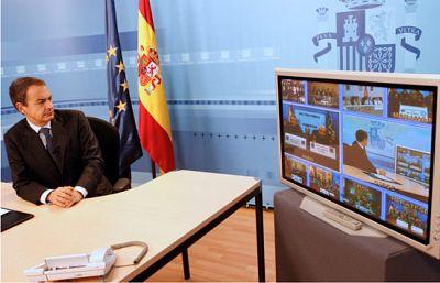 Zapatero felicita la Navidad a las tropas