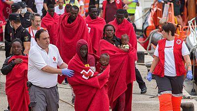 Rescatados cerca de 130 migrantes en seis pateras frente a las costas de Almería, Alicante y Murcia
