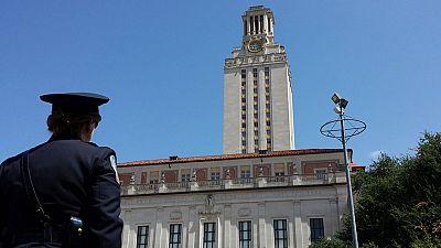 Entra en vigor la ley que permite llevar armas en las universidades públicas de Texas