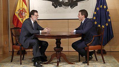 """Rajoy afirma que ha dado """"un primer paso"""" con Rivera y le ofrece negociación """"sin límites"""""""
