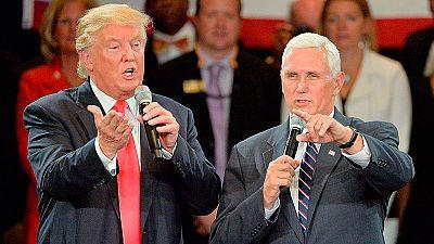 """El candidato a vicepresidente se desmarca de Trump, que a su vez califica a Obama de """"francamente incompetente"""""""