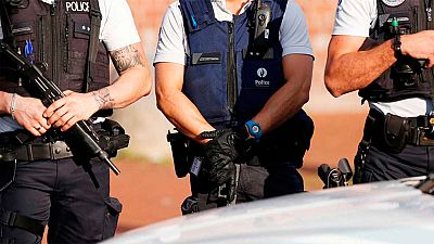El autor del ataque contra las dos policías en Charleroi vivía en Bélgica ignoró dos órdenes para abandonar el país