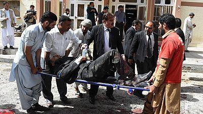 Medio centenar de muertos tras un ataque suicida en un hospital de Pakistán