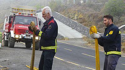 Continúan trabajando para controlar el fuego que ha quemado ya 4.863 hectáreas en La Palma