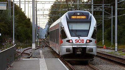 Un hombre intenta prender fuego a un tren e hiere con un cuchillo a seis personas en Suiza