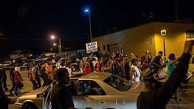 Segunda noche de disturbios en Milwaukee tras la muerte de un joven negro por los disparos de un policía afroamericano