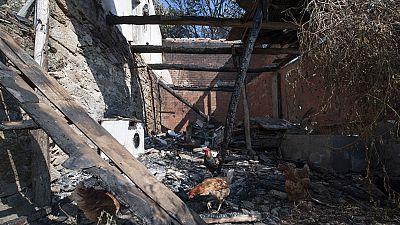 El incendio de Pobra de Trives, en Ourense, alcanza una vivienda familiar sin causar daños personales