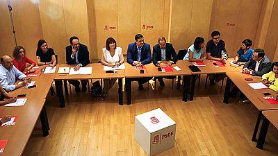 Pedro Sánchez ha reunido a la cúpula directiva socialista y a la de su grupo parlamentario, para ratificar su 'NO' a la investidura de Rajoy