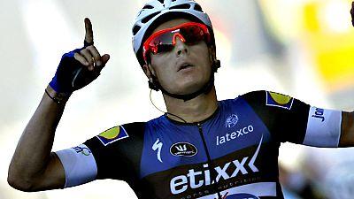 El belga Gianni Meersman (Etixx) se ha impuesto en la quinta etapa de la Vuelta a Espa�a disputada entre Viveiro y Lugo, de 171,3 kil�metros, en la que el colombiano Darwin Atapuma (BMC) mantuvo el jersey rojo de l�der.