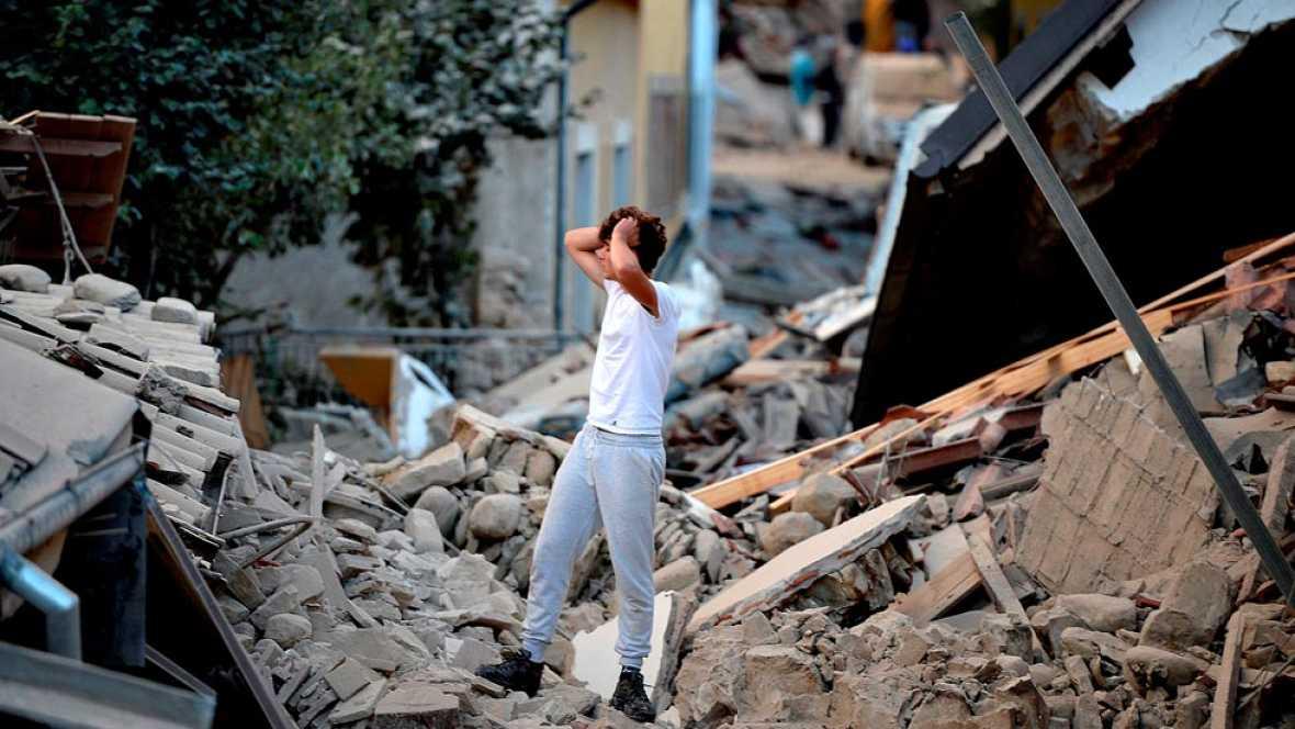 Un terremoto arrasa varias localidades del centro de Italia y deja al menos 159 muertos