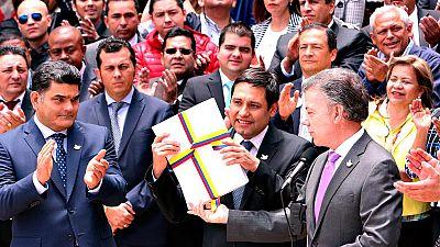 Juan Manuel Santos pone fin al conflicto armado con las FARC